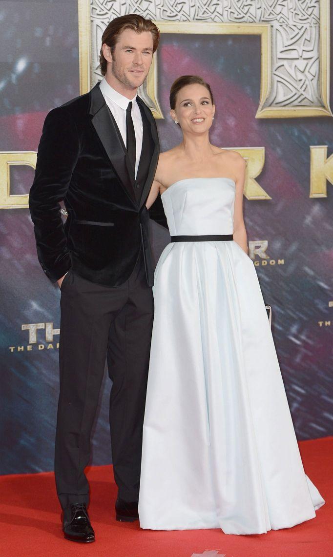Dos guapos de cine. Natalie Portman y Australian Chris Hemsworth estrenaron este domingo 'Thor: The Dark Kingdom' en Berlín. La actriz volvió a confiar en Dior, como ya hiciera en la premiere mundial del filme. De nuevo, acertó.