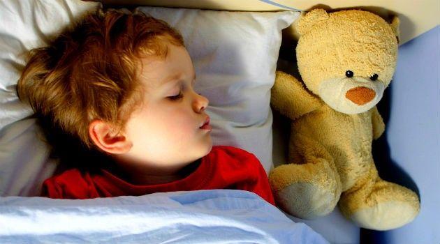 Travesseiro pra criança: a partir de quando usar, como escolher e cuidados - Bolsa de Mulher