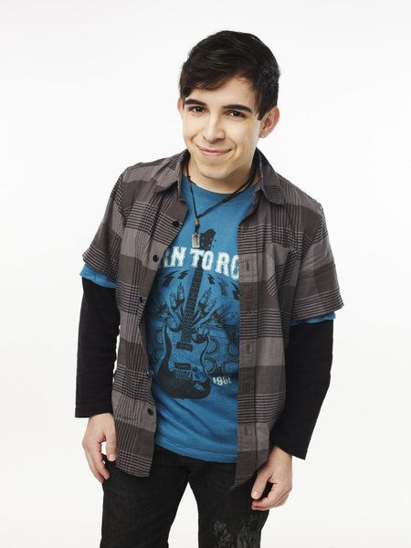 Matheus Fernandes, contestant on The Glee Project Season 1    (http://cdn.blogs.sheknows.com/realitytvmagazine.sheknows.com/2011/07/the-glee-project-contestant-matheus.jpg)