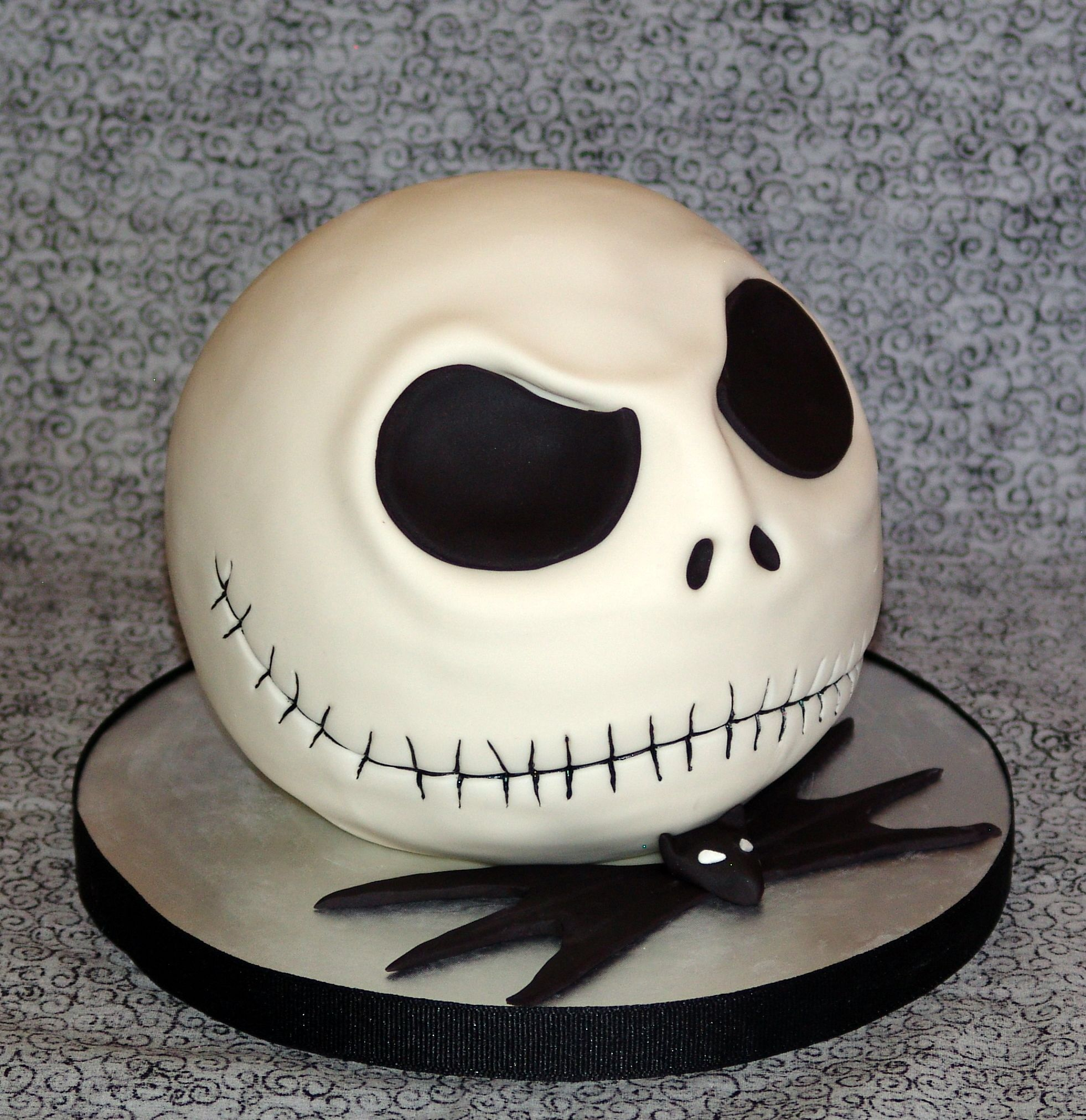 How To Make A Nightmare Before Christmas Cupcake Stand
