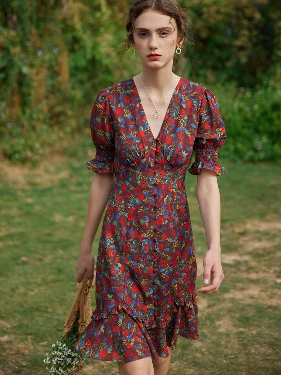 Kora Floral Printed Midi Dress In 2021 Midi Dress Printed Midi Dress Dresses [ 1200 x 900 Pixel ]