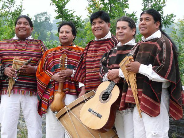 La música andina-Es un tipo de música tradicional de los Andes.  Instrumentos de este música incluyen el charango (un tipo de guitarra  pequeño) y la quena ... 753a579f07d