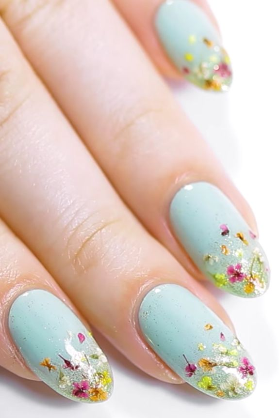 20 Super Pretty Floral Nail Designs | Pinterest | Spring nail trends ...