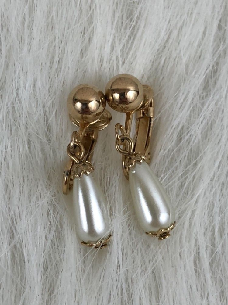 a1bebd301 Sarah Coventry Vintage Gold Tone Imitation Pearls Clip On Dangle Earrings |  Jewelry & Watches, Vintage & Antique Jewelry, Costume | eBay!