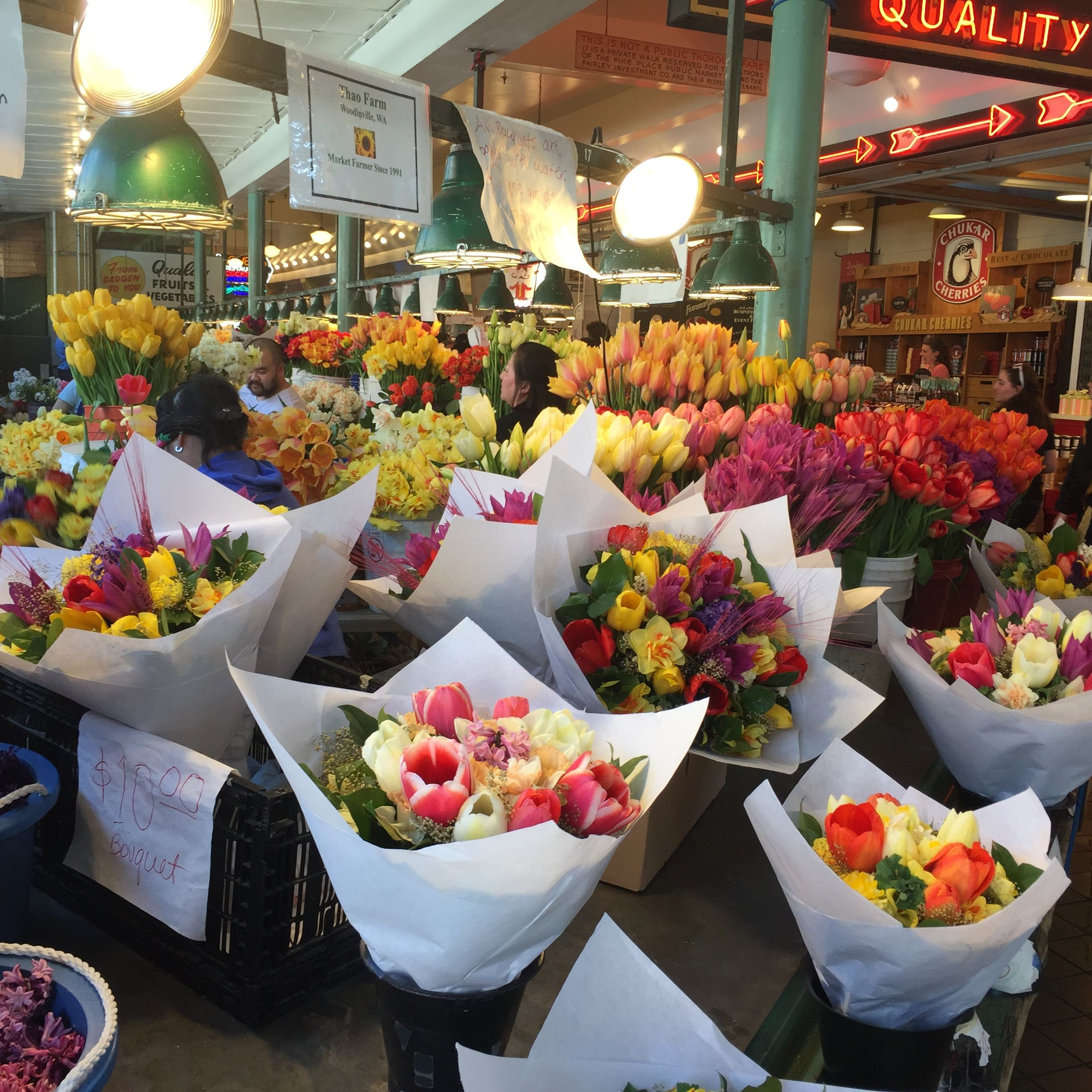 springtime flowers at pike place market! | healthy dinner