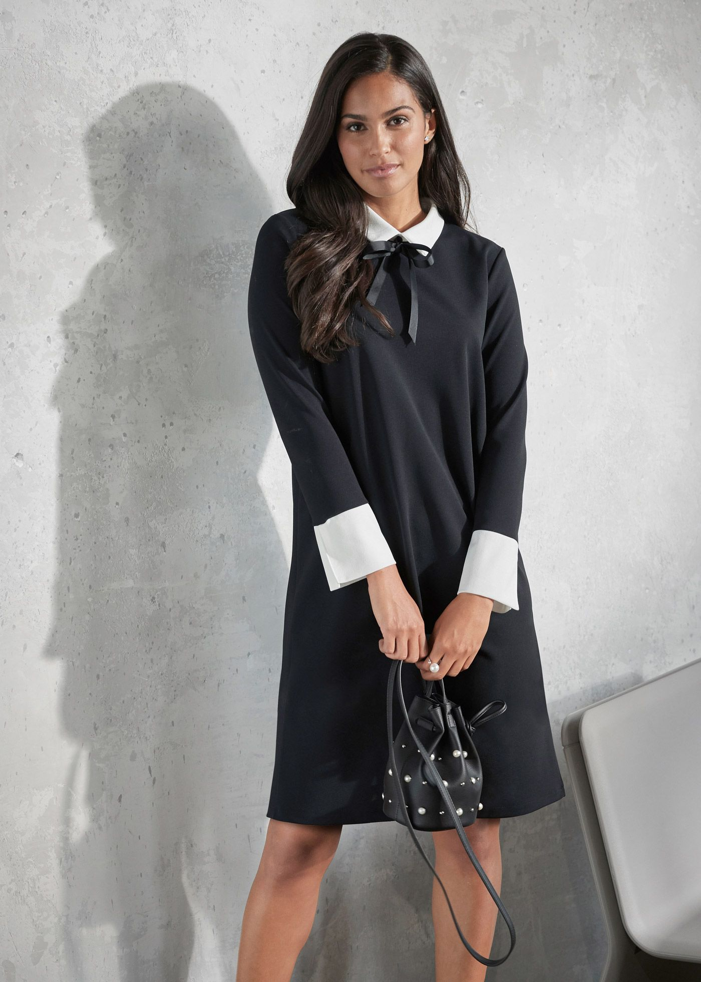 8359a551d85a Kleid mit Kragen und Schleife schwarz jetzt im Shop von bonprix.ch ab CHF  67.95