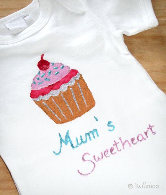 Bodies mit Textil-Mal-Farbe bemalen | Babyshower | Pinterest ...