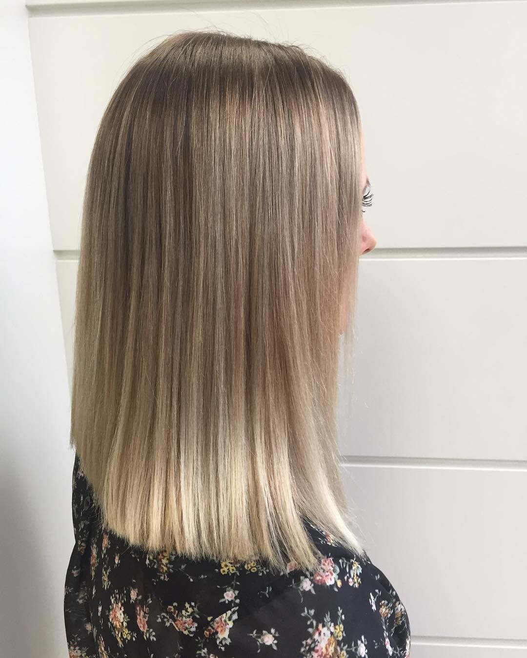 Stick-Straight Long Bob with Well-Blended Blonde Balayage ...