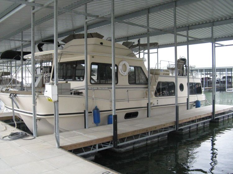 1986 Holiday Mansion Houseboats Coastal Barracuda for