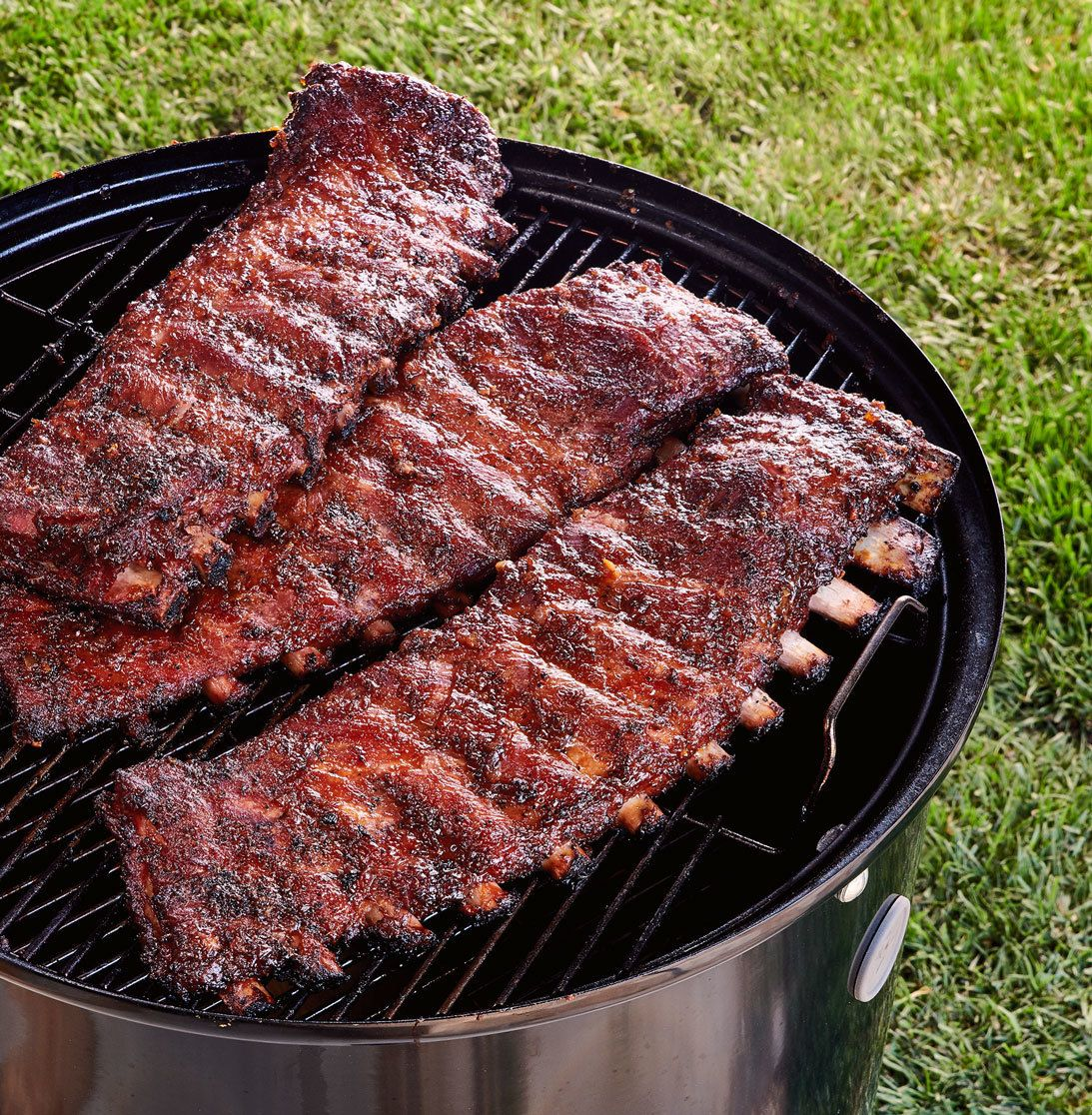 how to smoke pork ribs on a charcoal grill