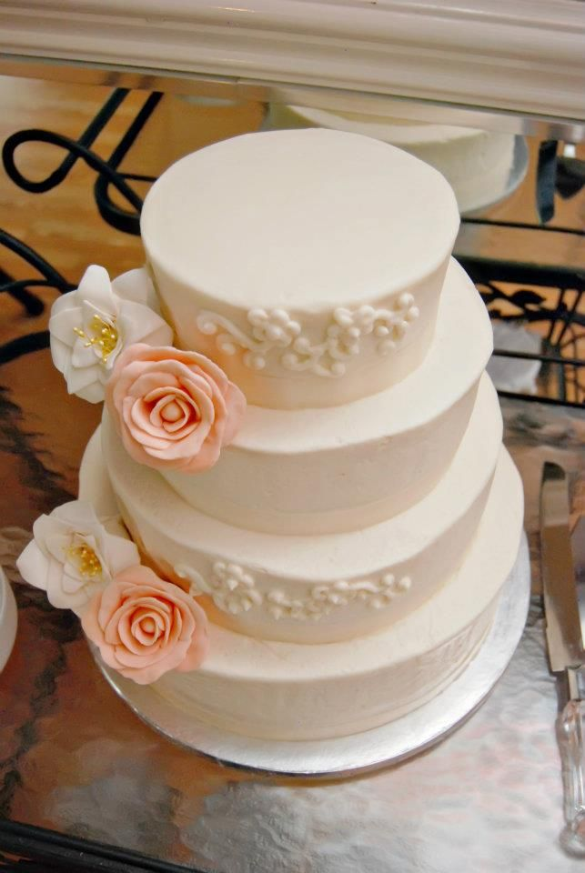 Pin By Katie Garcia On Wedding Cakes Heb Cakes Frugal Wedding Cake Bridal