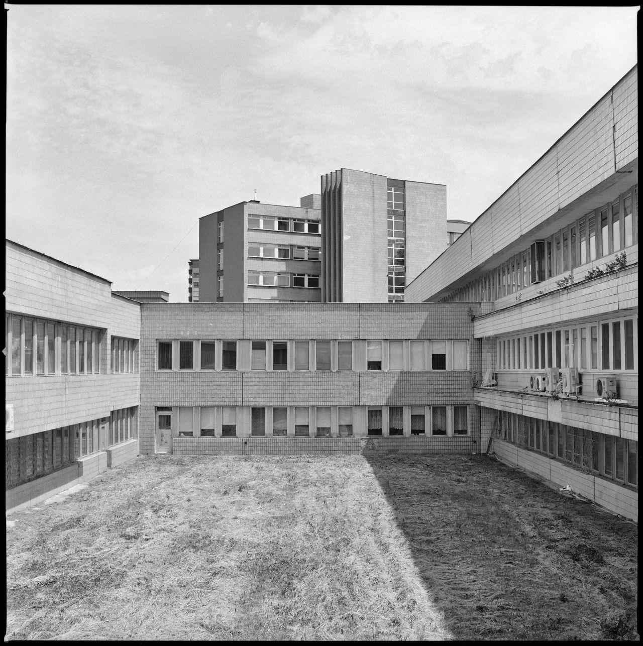 Univerzitná nemocnica Bratislava - Nemocnica Ružinov (Bratislava University Hospital - Ružinov Hospital) & Poliklinika Ružinov (Ružinov clinic), Bratislava, Slovakia. (Arch. unknown, 1976-86 & Albert Ščepán, 1965-72) Photo by Carlos Traspaderne with...