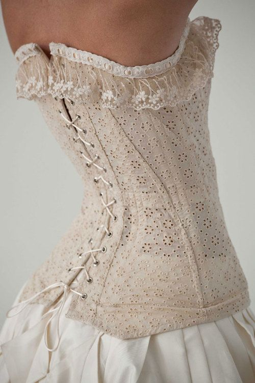 I Love The Eyelet Lace For A Summer Corset Unfortunately This One Looks To Have Several Construction Shortcomings Th Lace Corset Fashion White Corset