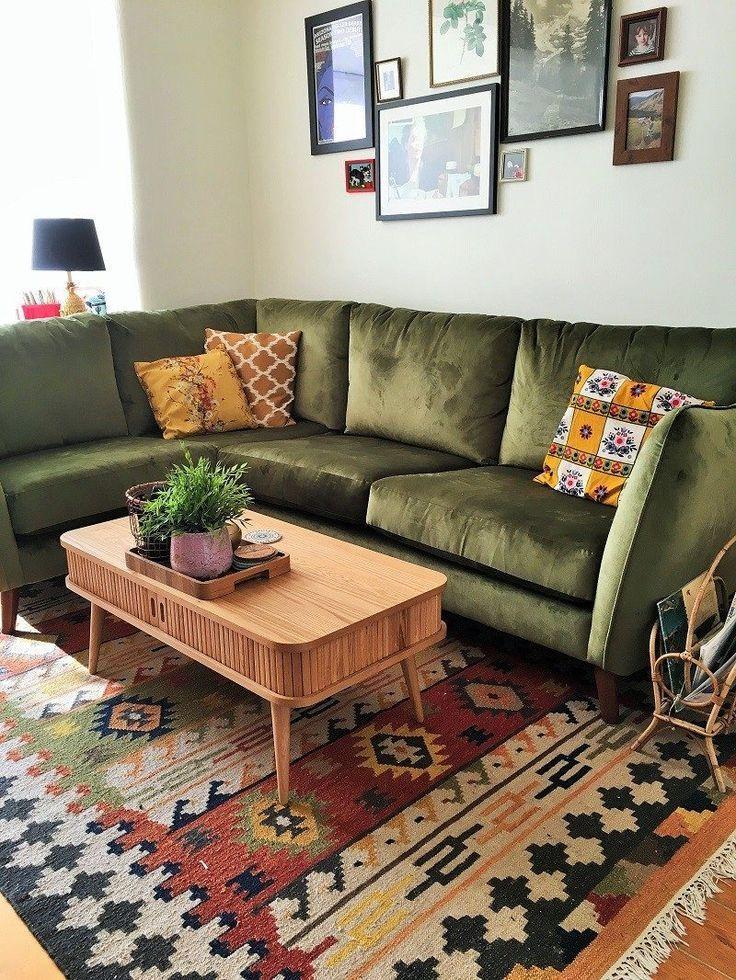 bohemian living room rug green vintage midcentury style corner sofa #wohnzimmerideen
