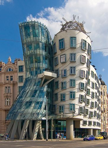 The dancing house prague czech republic arquitectura Cuantas materias tiene arquitectura