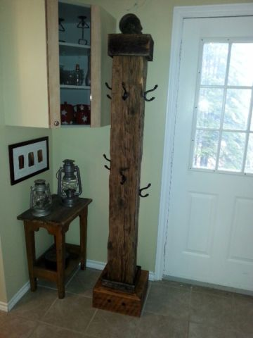 Patere rustique en bois de grange barmwood coat rack for Miroir bois de grange