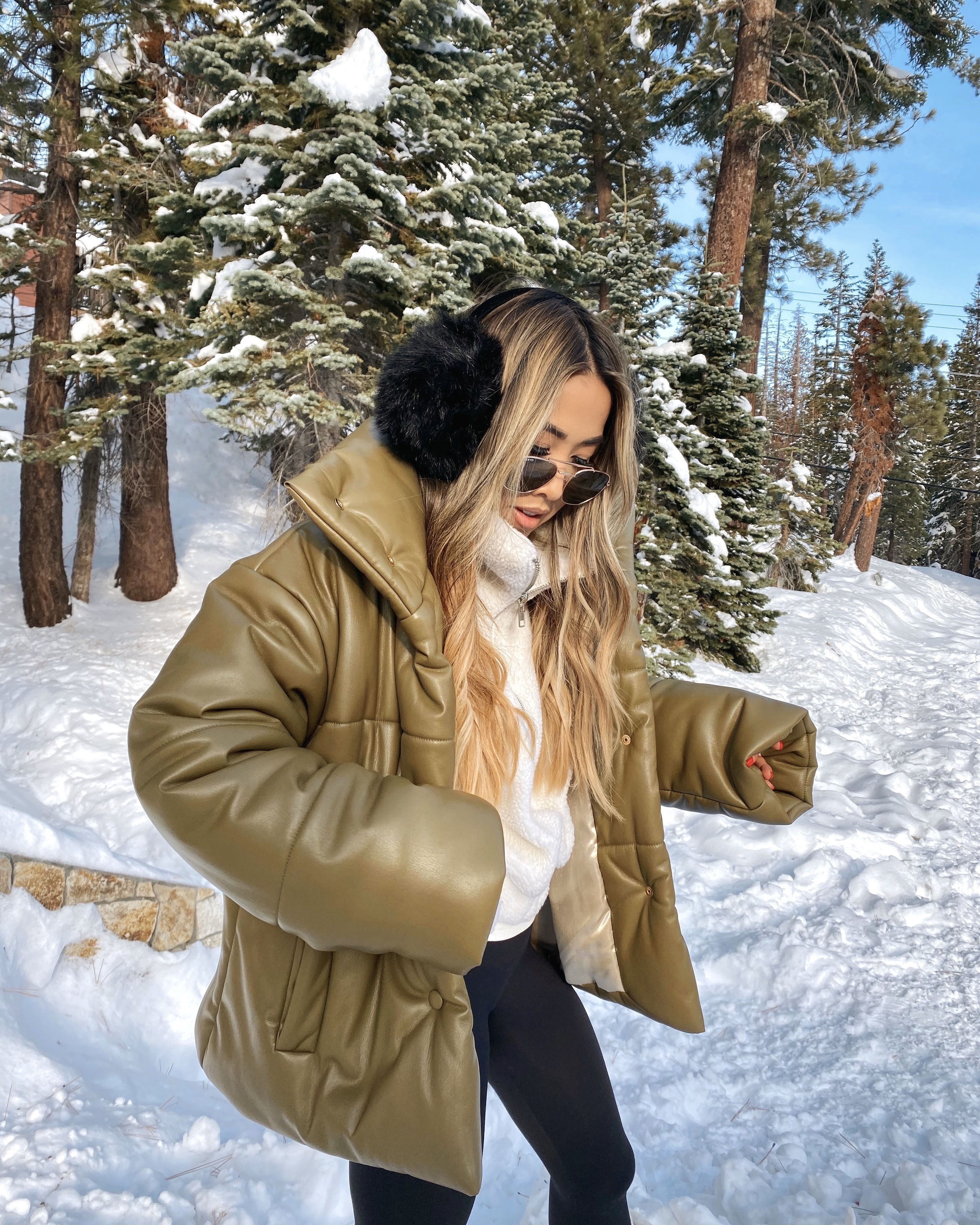 Cold weather snow fashion outfit | Snow fashion, Winter