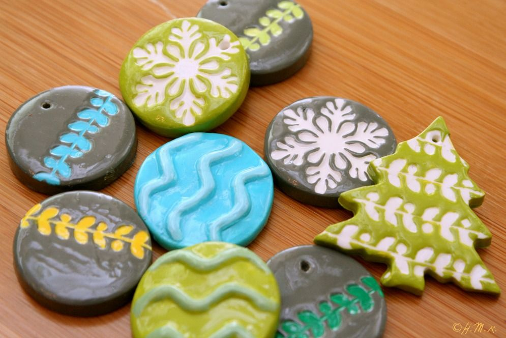 Ceramic Magnets + Holiday Mini-Ornaments {Giveaway!}