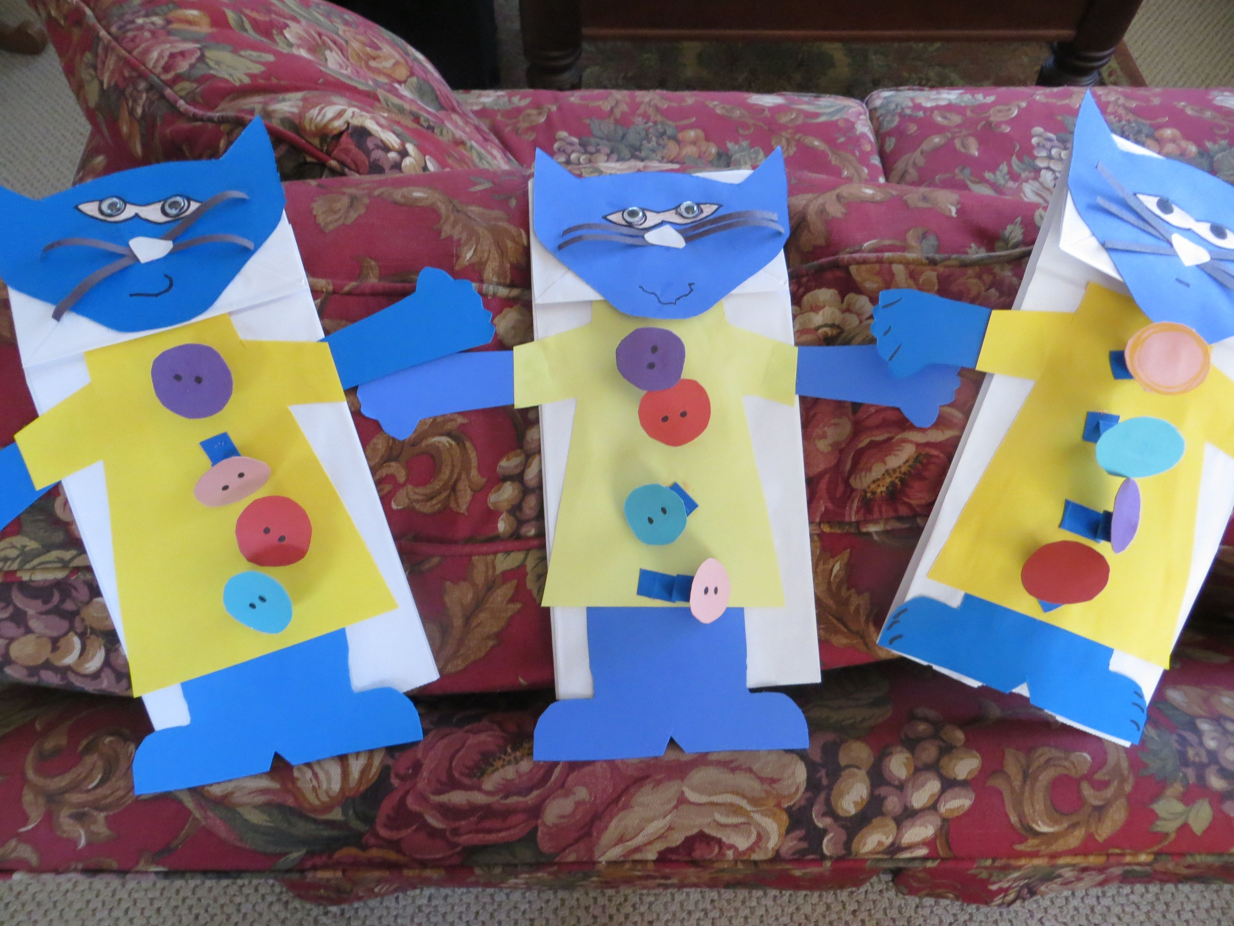 Pete The Cat And His Four Groovy Buttons Sack Puppet With