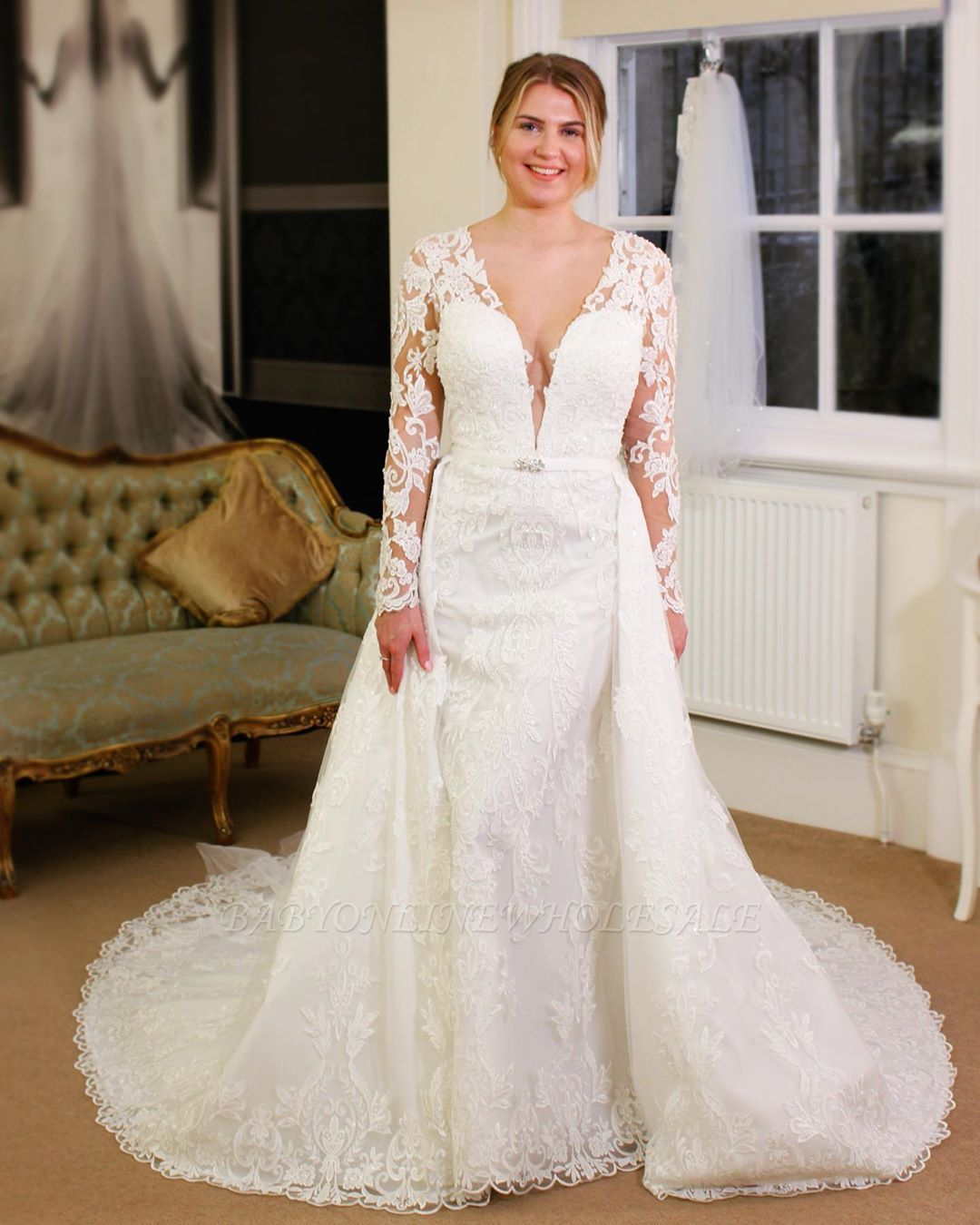 Luxury Long Sleeves Vneck Lace Royal Wedding Dress with
