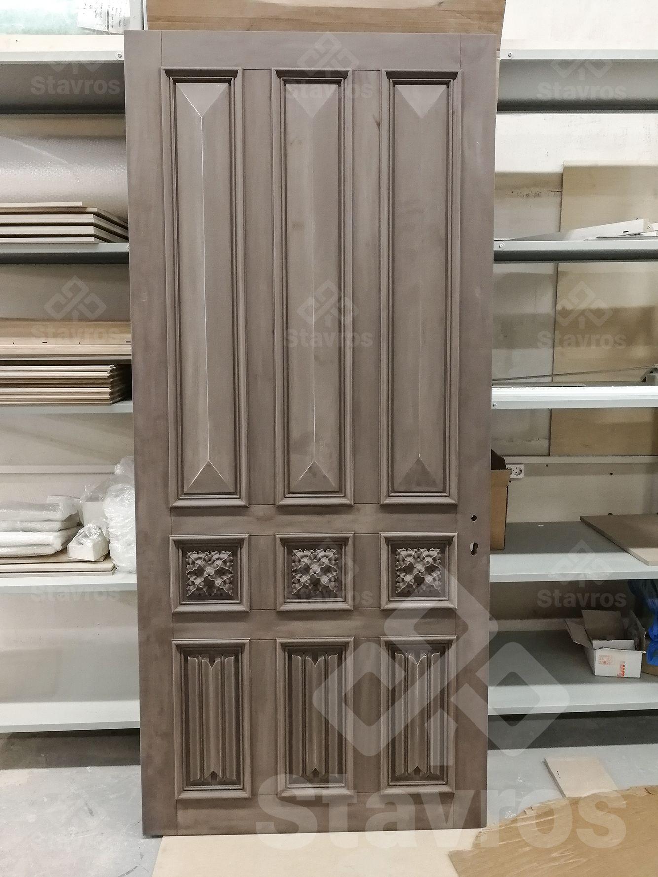 Mezhkomnatnaya Dver Iz Massiva Dereva V Goticheskom Stile Dizajn Dekor Rezba Gotika Massiv Interior Door Made Wood Exterior Door Door Design Wooden Doors