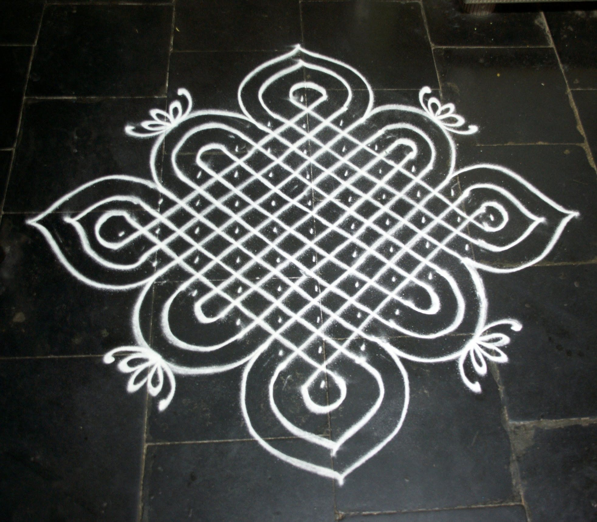 CHIKKU KOLAM (111 DOTS) Colorful rangoli designs