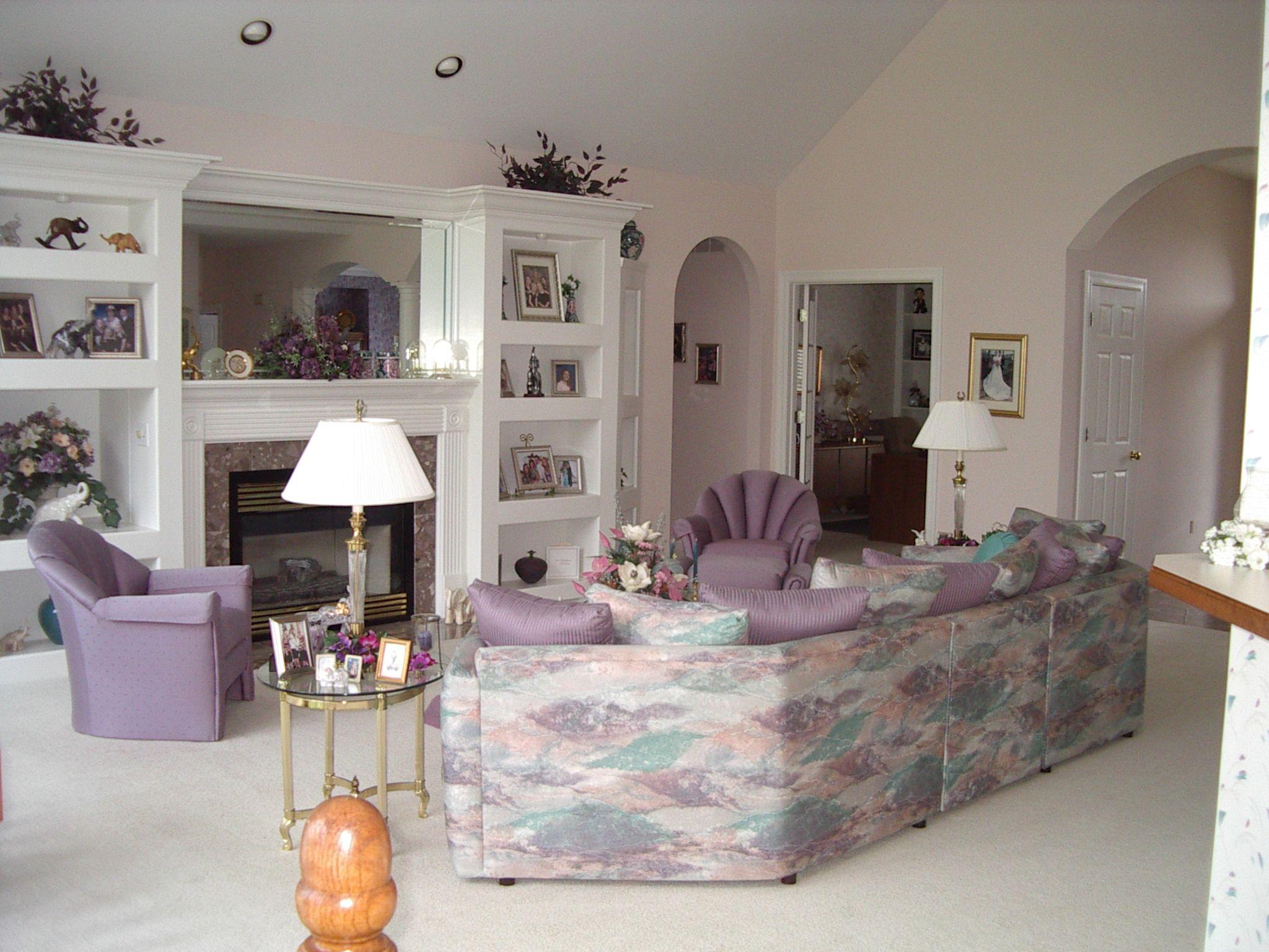 1980's living room | living-room-1990 | Home decor, 1980s ... on tile for a home, ideas for a home, art for a home,