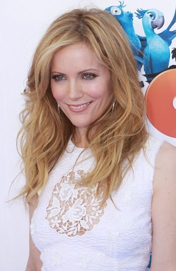 Leslie Mann-Long Layered Hairstyles for Women Over 40 l www ...