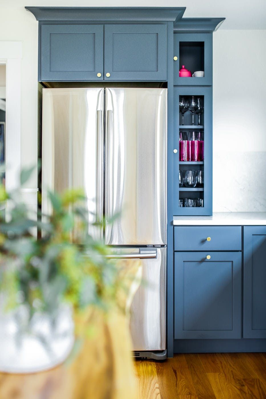 A Renovated House In Maine Inspired By The Atlantic Ocean Kitchen Decor Styles Kitchen Cabinets Kitchen Cabinet Remodel