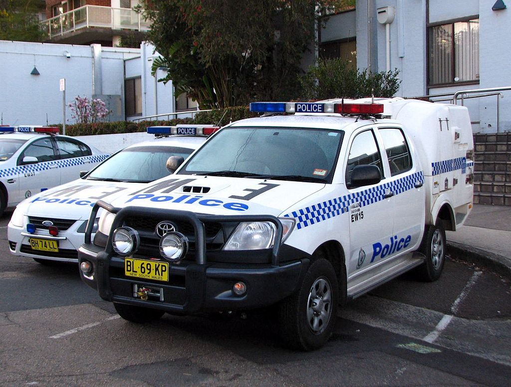 Ew 15 Toyota Hilux D4 D Caged Truck Flickr Highway Patrol Images