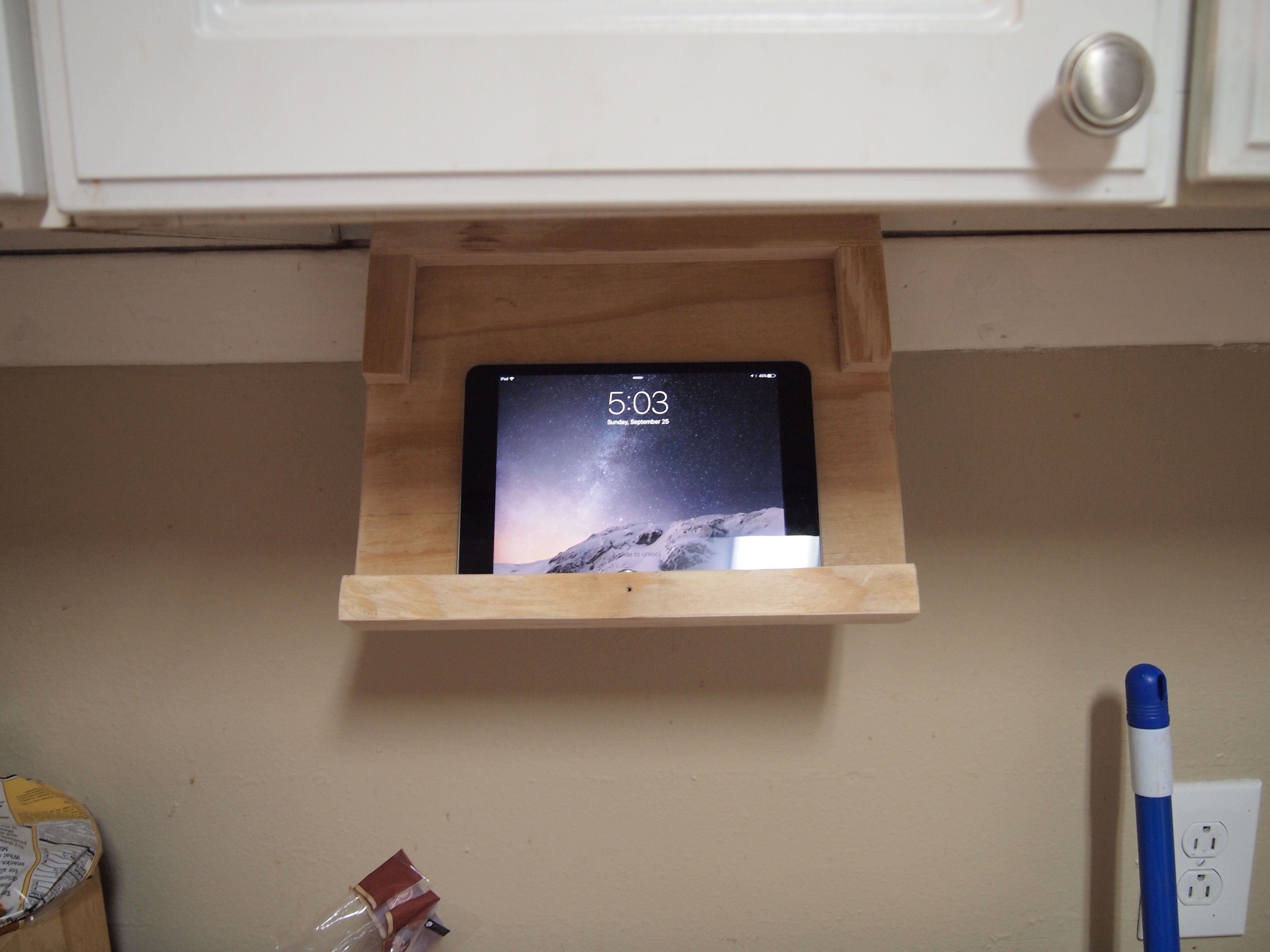 under cabinet ipad holder quickcrafter  ipad holder