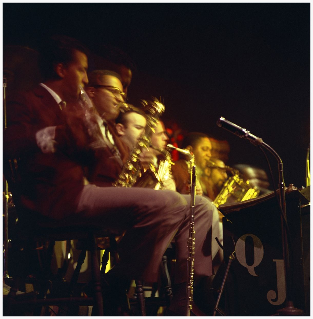Woodwinds, Quincy Jones Orchestra. The Birdhouse . December, 1960.  © Laird Scott