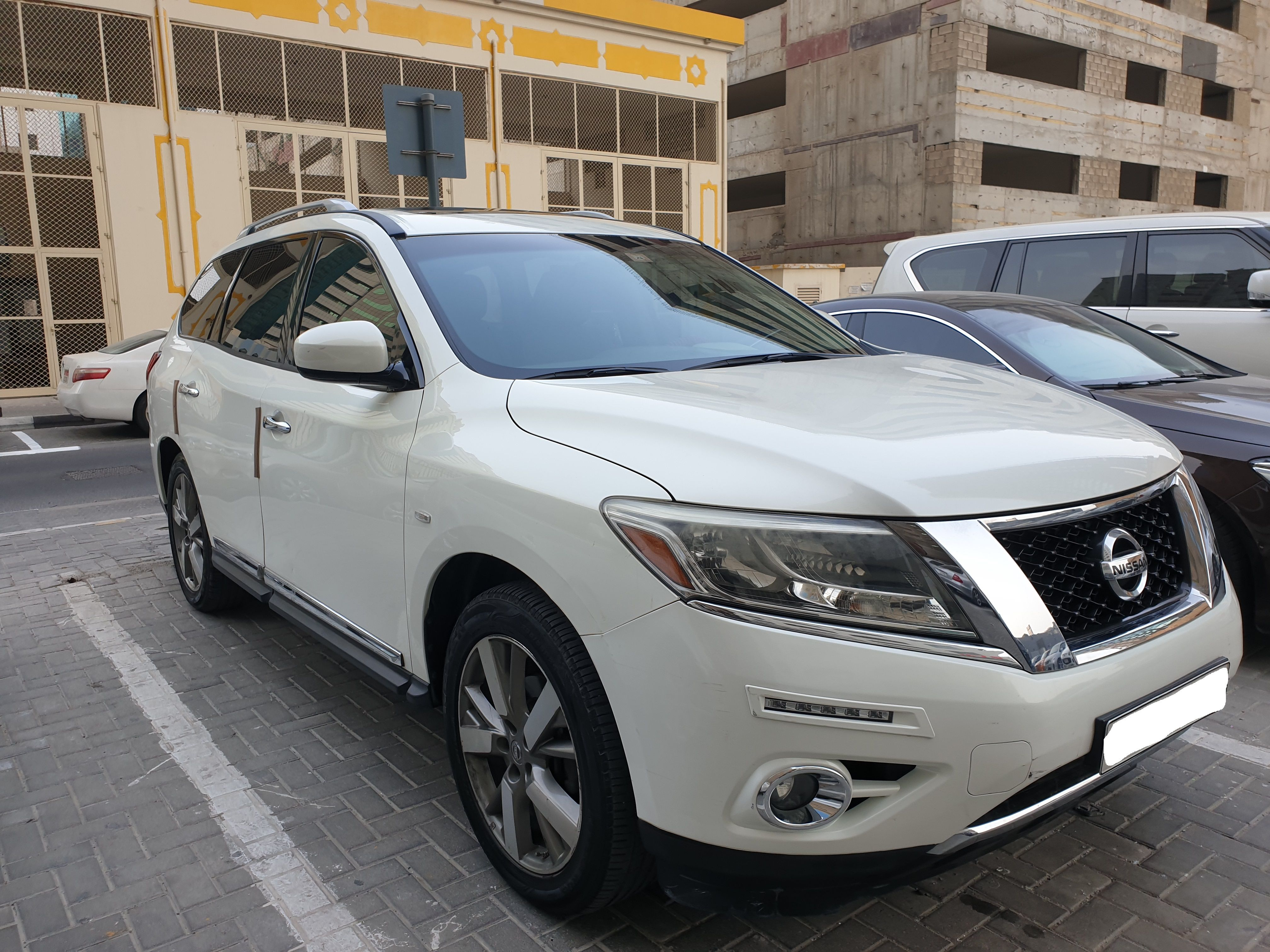 Nissan Pathfinder 2014 GCC MID in Sharjah (With images