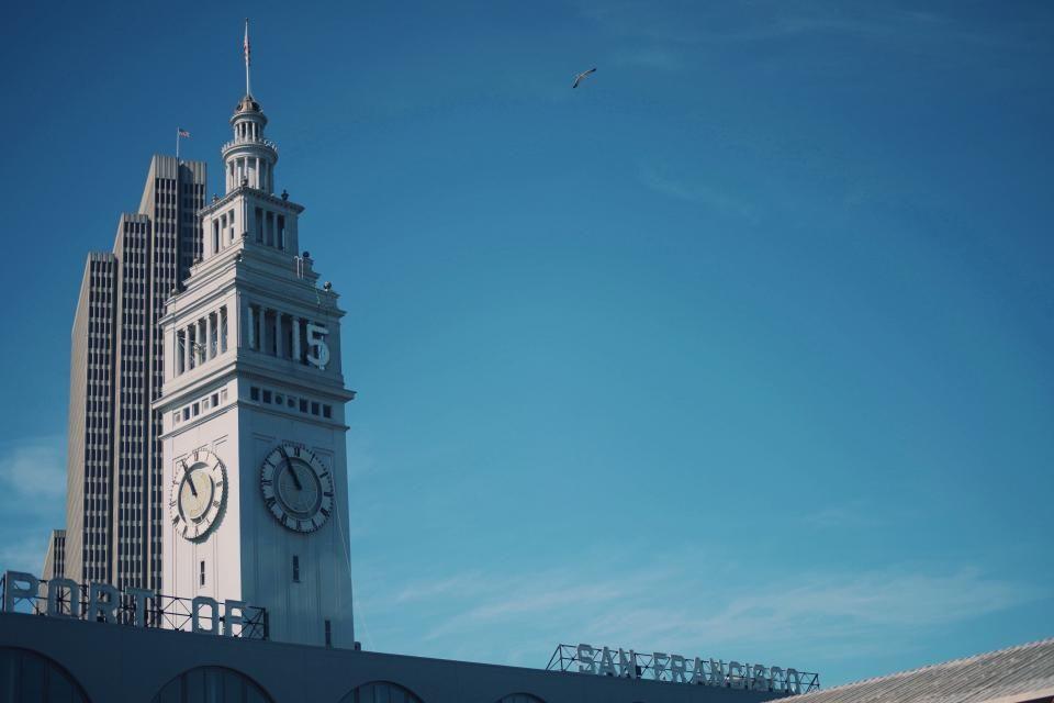 San Francisco buildings clock - http://www.welovesolo.com/san-francisco-buildings-clock/