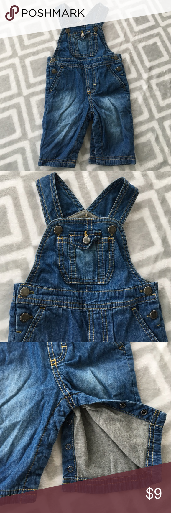 OshKosh overalls These overalls are adorable and light weight. Snaps all over for easy changing. Snaps for on pants for easy diaper change as well as snaps for the overall part and the sides -- as shown in pictures. Genuine Kids from OshKosh Bottoms Overalls
