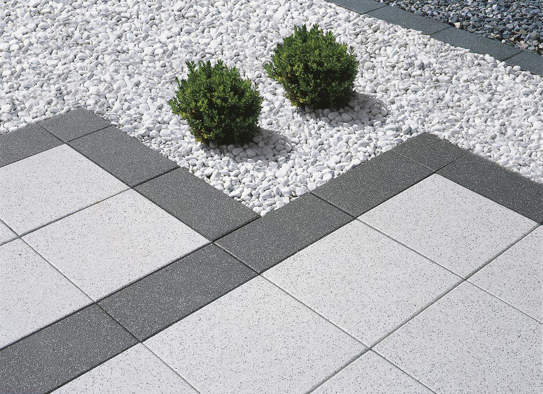 Metten Arcadia Arcadia Modena In Kombination Mit Padua Carrara Splitt Weiss 15 25 Mm In 2020 Natursteine Gartengestaltung Garten