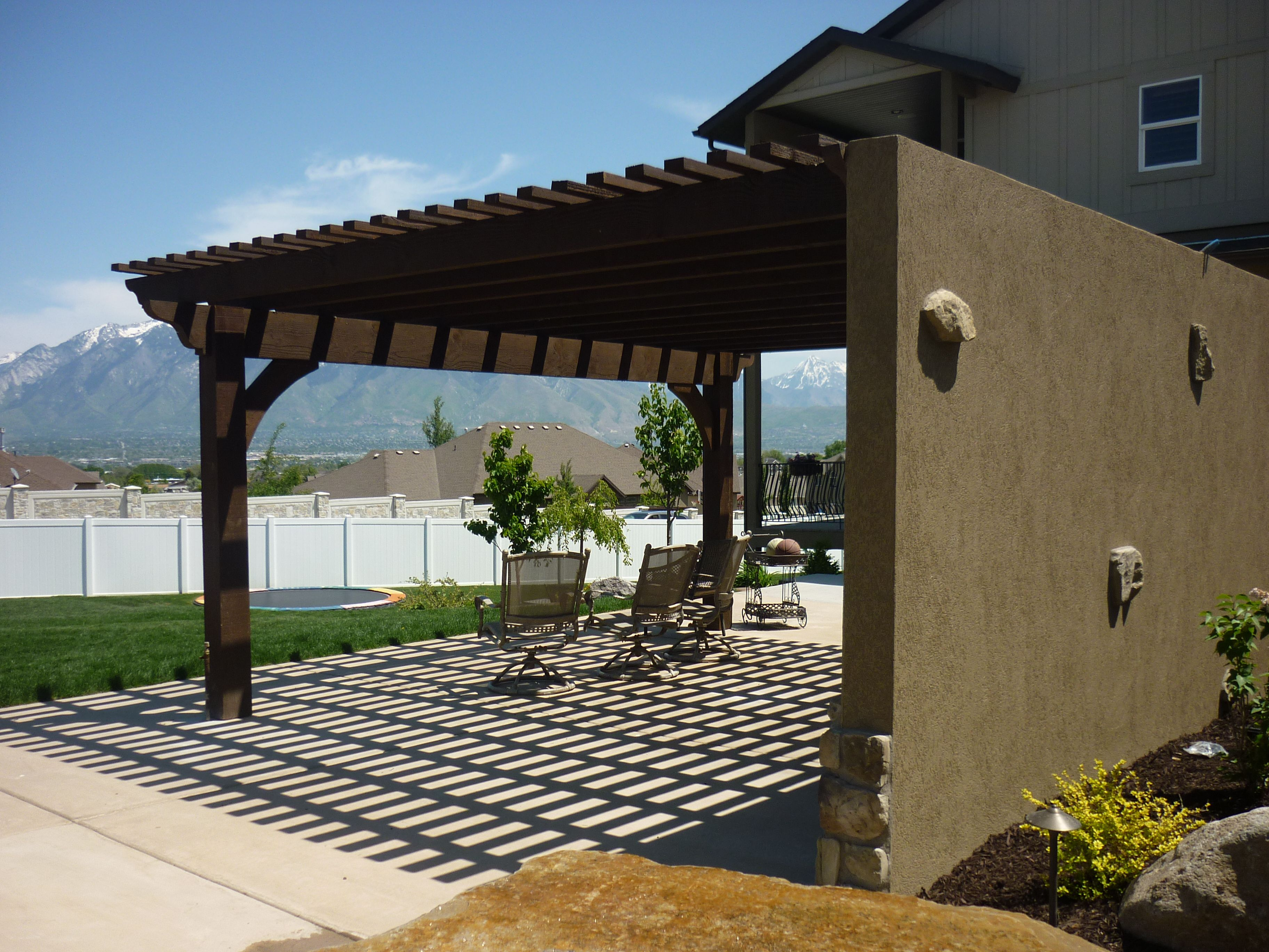 Pergola on a cement wall for the TV