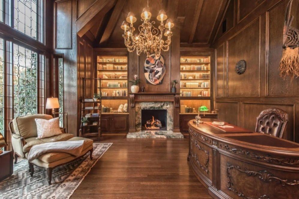 Meubles Et Decoration Vintage Et D Occasion In 2020 Victorian Living Room Decor Dark Wood Desk Home