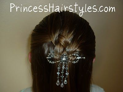 Cute Quick Hairstyles Cute Quick Hairstyle That Would Look Good On All Ages  Little Girl