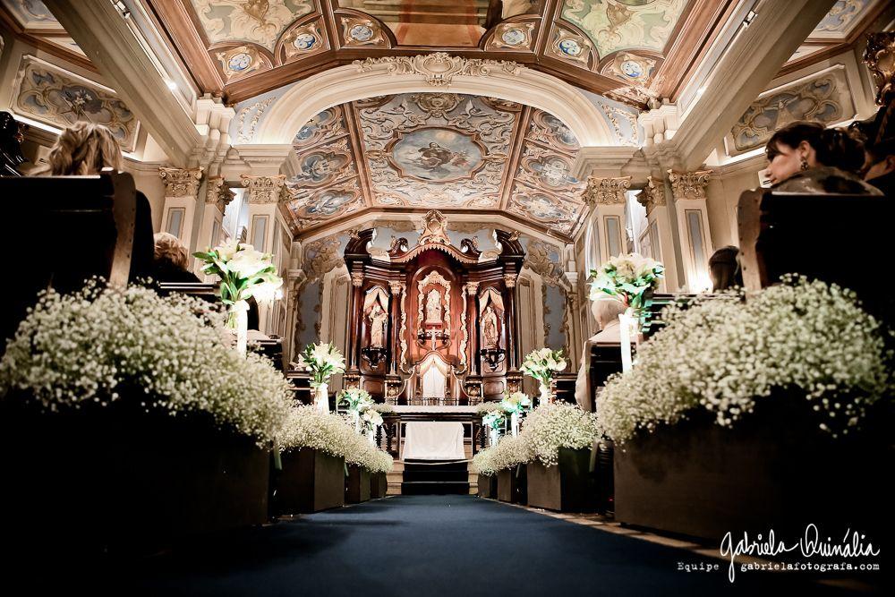 Capela da PUC em SP decorada de mosquitinhos para mais um casamento!