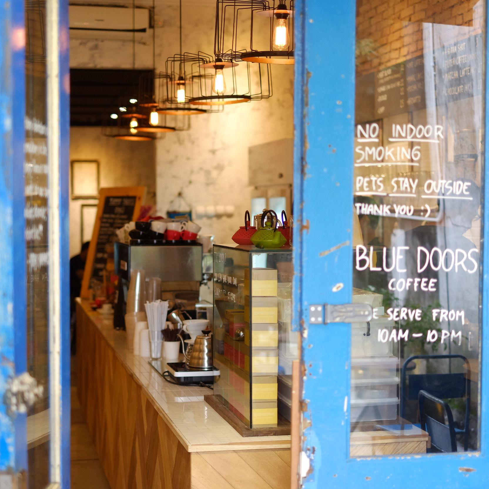 Retail Furniture Bandung: Blue Doors Coffee Shop JL Gandapura No 61 , Bandung