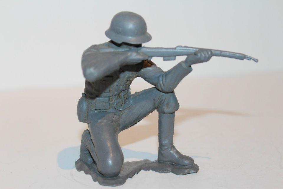 Marx - German Soldier (6 Inches) - kneeling - WWII ...
