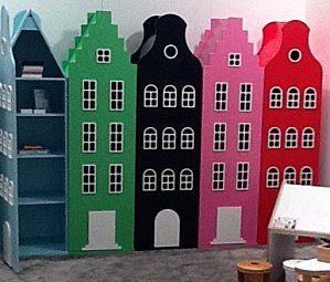 Déco enfant : armoire Amsterdam Kast Van Een Huis en forme de maison ...