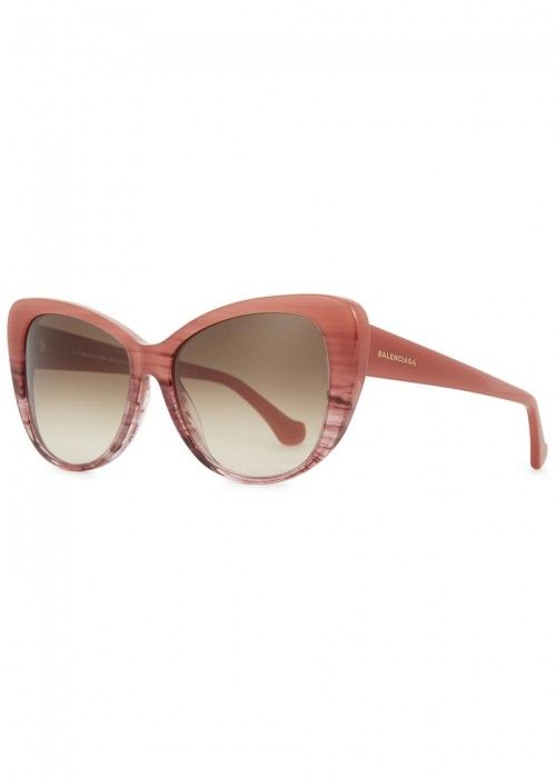 9845c1e2373 Women s designer sunglasses and accessories. Shop the Harvey Nichols eyewear  from a range of popular brands including Givenchy