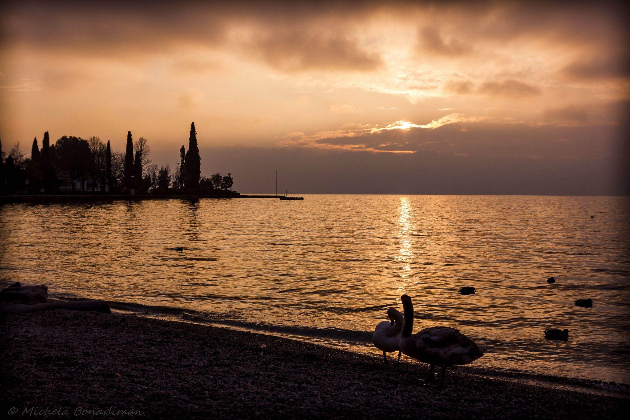 Tramonto a Bardolino di Nadia Bonadiman #LagodiGarda #LakeGarda #Garda #Veneto #GardaVeneto