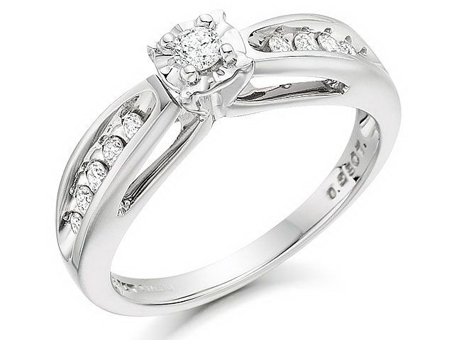 Exclusive from F. Hinds this 9ct White Gold Diamond Engagement Ring 0.25ct
