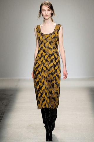 Véronique Leroy Fall 2014 Ready-to-Wear Collection Slideshow on Style.com