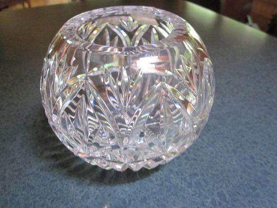 Beautiful Rose Bowl Fifth Avenue Crystal Made In Poland Perfect