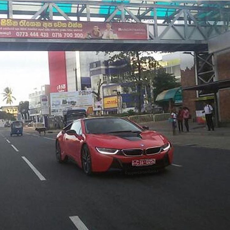The New Bmw I8 Taken At Road Sri Lanka S Richest Boys Cars