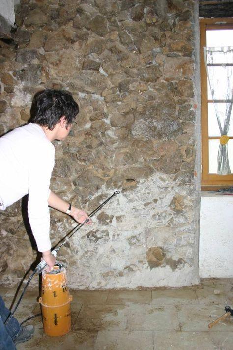 rejointoyer un mur pierres vues avec un mortier de chaux mourelo pinterest construction. Black Bedroom Furniture Sets. Home Design Ideas